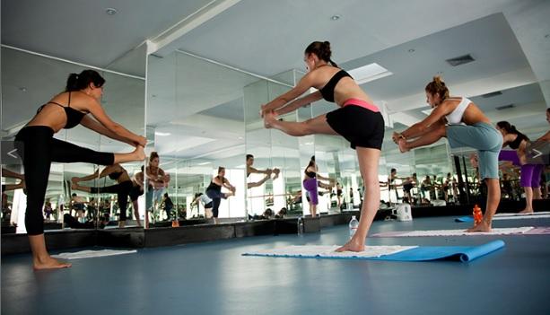 Bikram Yoga es también conocida como Yoga Caliente | Foto: Centro de Bikram Yoga  en Bogotá