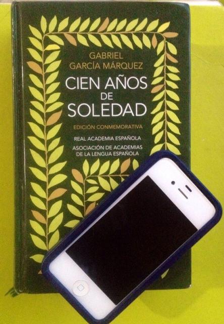 Nueva aplicación para celulares que permite descargar obras literarias.