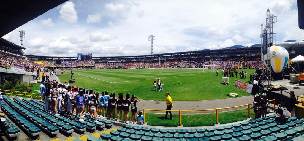Ceremonia de clausura de la jornada completa 40x40, Estadio Nemesio Camacho el Camapín en Bogotá