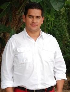 "Yesid Toro Meléndez, autor de ""Las aguas turbias"""
