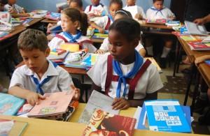 Actualmente cerca de 1.200.000 menores son beneficiados por el programa de Cero a Siempre | Foto http://imagenes.publico.es/resources/archivos/2013/9/13/1379086020896cuba1c4.jpg