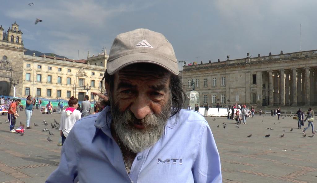 Carlos Eduardo Rodríguez , en el Palacio Liévano en el que lleva enseñando hace 25 años.