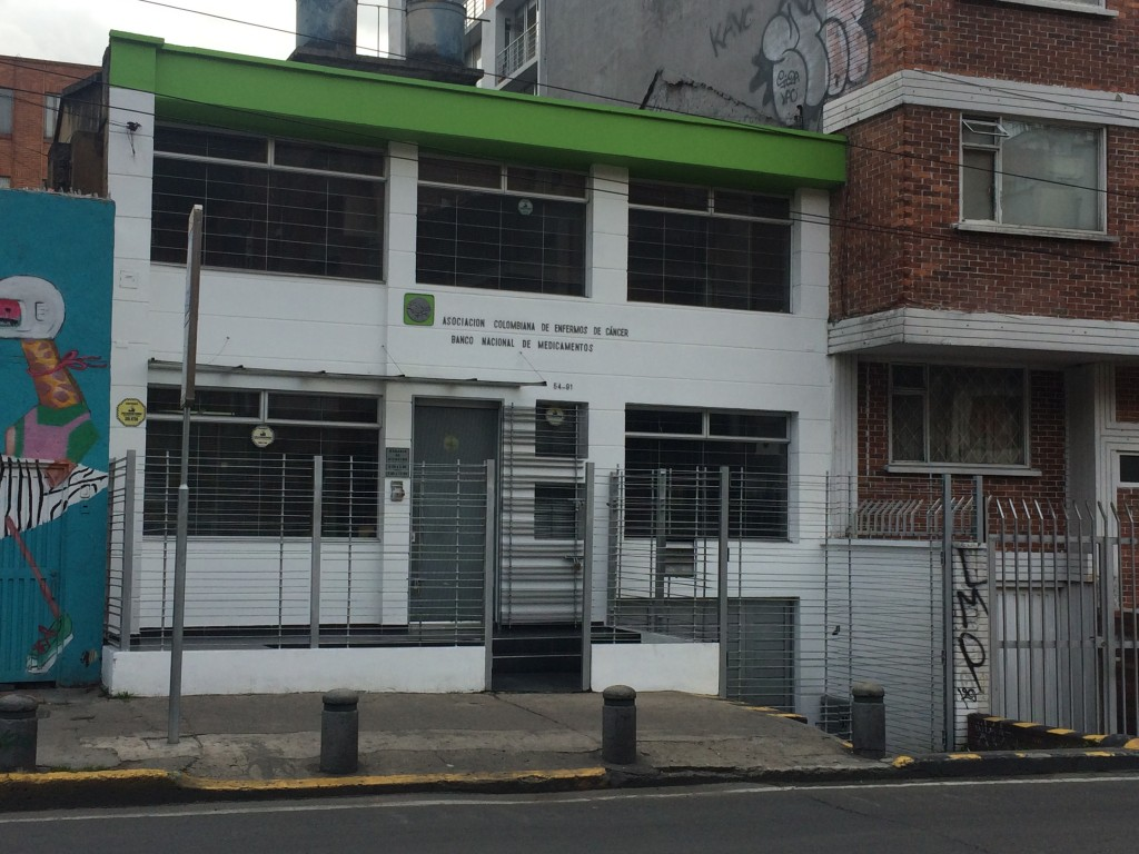 Asociación Colombiana de enfermos de cáncer, calle 54 No. 7 – 91 en Bogotá.