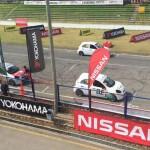 En la largada de la primera curva se presentaron  problemas en los autos causando varios accidentes, causando incombenientes en la valida ocho.