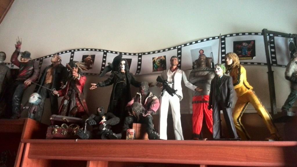 Dentro de su colección se encuentra Fredy Kruger, Jason de viernes 13, el Hombre Lobo,  Anibal Lecter y Kill Bill.