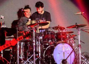 Sebastián Yatra Néstor Rojas baterista